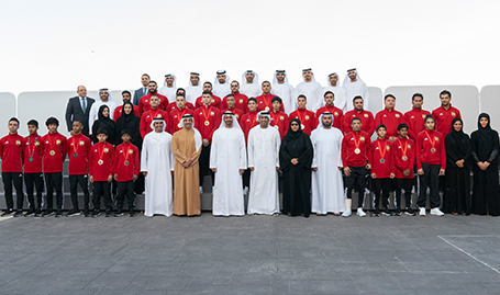 His Highness Sheikh Mohamed bin Zayed receives members of UAE MuayThai team