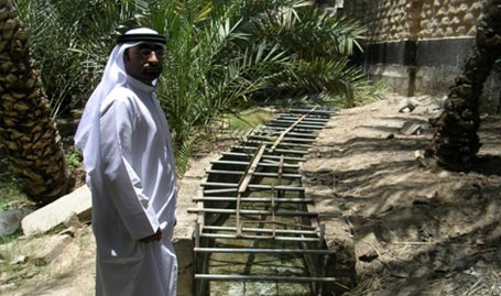 Figure 4 - course of the canal Falaj SAROOJ, the photo was taken in 2005 by Dr.. Hassan Gramon,